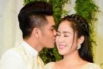 Khoảnh khắc ngọt ngào của Lê Phương và chồng trẻ trong hôn lễ