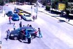 Nhiệt tình giúp đỡ người gặp tai nạn giao thông và cái kết 'khó đỡ'