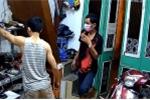 Trộm 'khoắng' sạch xe máy, laptop, trang sức, cẩn thận đóng cửa giúp chủ nhà
