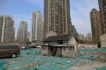 Góc khuất khó tin đằng sau những tòa chung cư sáng đèn ở Thượng Hải