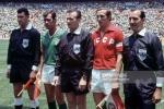 Đây là cầu thủ đầu tiên trong lịch sử World Cup được vào sân từ ghế dự bị