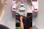 Xe ô tô cản đường xe cứu hỏa: Tài xế nói 'không nghe thấy còi hụ'