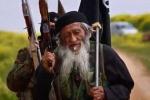 IS 'khoe' tay súng lão làng 81 tuổi người Trung Quốc