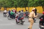 Video: Những màn rượt đuổi bắt người vi phạm như phim hành động của CSGT Hà Nội