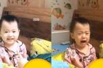 Clip: Bị mẹ trêu chọc, em bé vừa khóc vừa cười gây sốt dân mạng