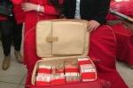 Tiệc hứa hôn gây xôn xao với va li tiền 7 tỷ đồng tặng cô dâu