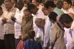 Cựu Chủ tịch Fidel Castro cười rạng rỡ trong lễ mừng sinh nhật cuối cùng
