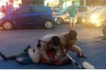 CSGT khống chế tài xế say xỉn giữa Hà Nội