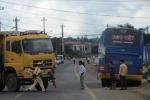 Xe tải đâm liên hoàn, đường Hồ Chí Minh kẹt xe nhiều giờ