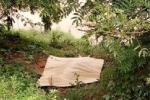 Sau nhiều ngày tìm kiếm, gia đình tự vớt xác người thân dưới sông