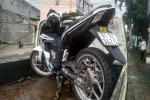 2 thanh niên chạy xe máy tông vào cột điện thiệt mạng