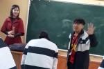 Clip cả lớp xin cô giáo cho nghỉ học, cổ vũ U23 VN khiến dân mạng tranh cãi