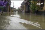 Những hình ảnh khó tin về phố cổ Hội An chìm trong mênh mông nước