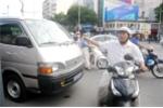 Xe chở ông Đoàn Ngọc Hải đậu trên đường gây kẹt xe, người đàn ông phản ứng gay gắt