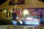 Clip: Bị nghi say rượu, tài xế tung hứng 'thần sầu' trước mặt cảnh sát