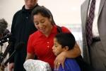 500 trẻ em được đoàn tụ với gia đình ở biên giới Mỹ sau chuỗi ngày bị chia tách