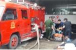 Hút nước cứu hàng trăm ô tô, xe máy 'chết' chìm dưới hầm chung cư ở Đà Nẵng