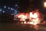 Clip: Hiện trường 2 container đâm nhau bốc cháy ngùn ngụt ở Hải Phòng