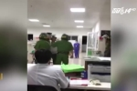 Bác sỹ bị người thân bệnh nhân đánh rách giác mạc trước cửa phòng cấp cứu