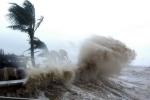 Tin bão số 4 mới nhất: Bão áp sát đất liền, miền Trung đang mưa lớn