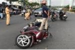 Chạy vào đường cấm, nam thanh niên tông trúng một phụ nữ và bé 7 tuổi