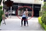 Clip: Cảnh sát nổ súng chỉ thiên, trấn áp kẻ cầm dao uy hiếp con tin ở Huế