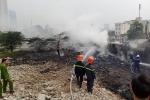 Cháy bãi tập kết rác thải ở Hà Nội, cột khói bốc cao hàng chục mét