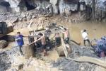 Sập mỏ ở Hòa Bình, 2 người mắc kẹt: Bắt giữ chủ bãi khai thác vàng