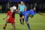 Xấu hổ cảnh cầu thủ Myanmar, Singapore đấu võ trong trận 'thủy chiến'