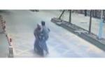 Tài xế 'tung cước' hạ kẻ vừa ăn cắp điện thoại của mình đang bỏ trốn bằng xe máy