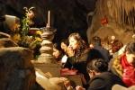 Thực hư câu chuyện cầu con linh nghiệm tại chùa Hương