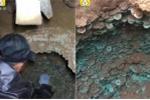 Video: Phát hiện 100.000 đồng xu cổ, nặng gần nửa tấn bị chôn vùi dưới đất