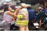 Nữ tài xế thóa mạ, đe doạ CSGT khi bị nhắc nhở: 'Chị ta hung hãn quá nên không ai dám can ngăn'