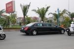 Cận cảnh đoàn xe chở ông Tập Cận Bình chạy trên đường phố Hà Nội