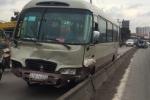 Tai nạn liên hoàn trên quốc lộ, nhiều nạn nhân mắc kẹt kêu cứu