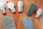Nông dân Gia Lai đào được đá lạ nghi cổ vật thời tiền sử