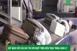 Clip: Bắt nhân viên sân bay Tân Sơn Nhất trộm điện thoại trong hành lý