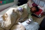 Nam sinh bị dập nát 2 bàn tay vì pháo nổ