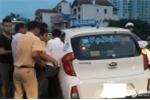Tông trọng thương CSGT Hà Nội, nam thanh niên phóng xe tháo chạy bỏ 2 người đi cùng ở lại