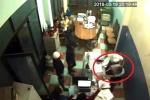 Video: Nhóm côn đồ lao vào đánh chủ khách sạn ở Gia Lai