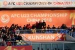 Mừng U23 Việt Nam thắng trận, fan Việt Nam đốt pháo vang trời Trung Quốc