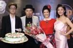 Diva Hồng Nhung xúc động khi được tổ chức sinh nhật bất ngờ