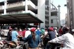 Người dân phát khóc vì không gửi được xe: Bệnh viện Bạch Mai xin lỗi