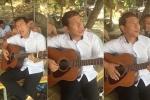 Clip: Danh hài Quang Thắng ôm guitar hát 'Tình khúc đòi nợ' khiến dân mạng thích thú