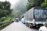 Bốn ô tô va chạm liên hoàn trên đèo Bảo Lộc, giao thông tê liệt