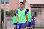 Công Phượng xuống tập ở U19 Việt Nam sau khi đấu Man City