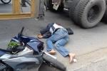Bị xe container ép vào lề rồi cán lên người, người đàn ông thiệt mạng
