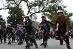 Ảnh: Hàng ngàn người xem thi đấu nghệ thuật đường phố trên phố đi bộ Hà Nội
