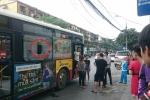Cãi nhau với người yêu, nam thanh niên cầm gạch ném vỡ đầu hành khách đi xe buýt