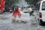 Cảnh báo mưa giông, gió giật mạnh ở khu vực nội thành Hà Nội
